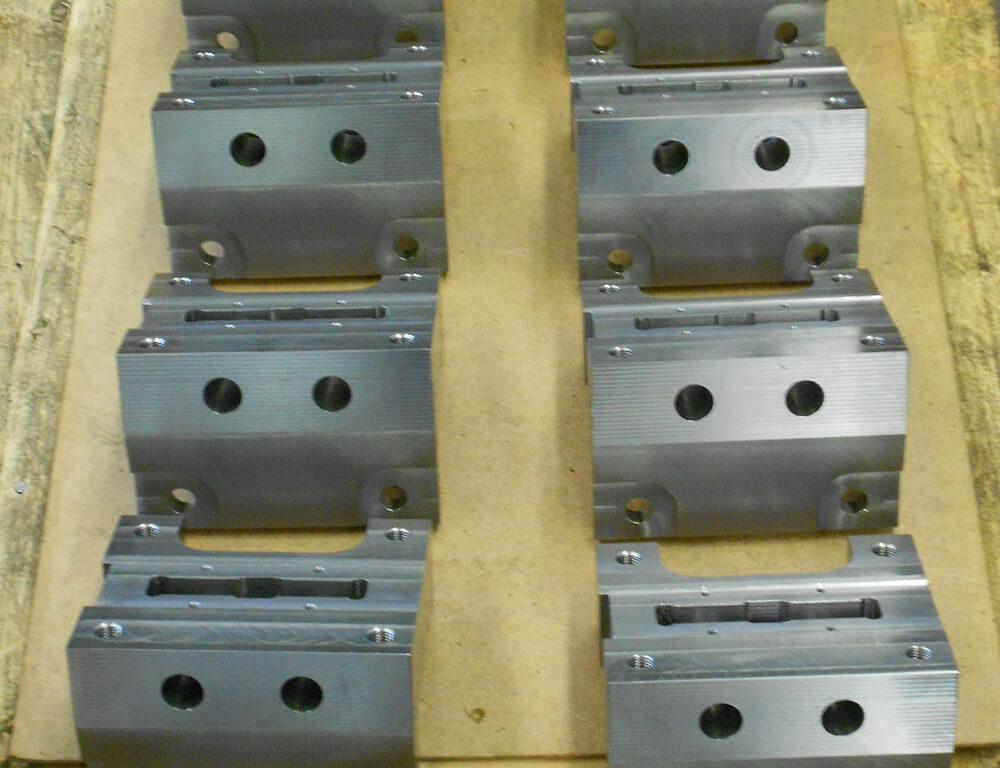 Industrieserviceleistung - Planung, Konstruktion, Fertigung sowie Reparatur verschiedener Hydraulikzylinder